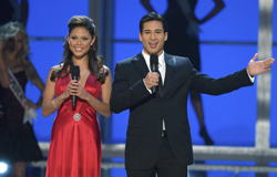 Hosts Vanessa Minnillo and Mario Lopez