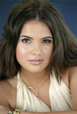 Shelley Hennig of Days of Our Lives